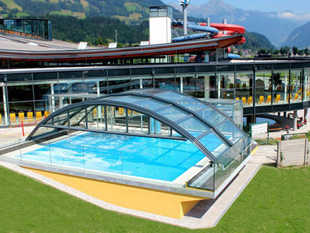 zoomroom Skigastronomie Schwimmbachüberdachung